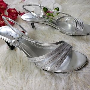 Touch of Nina Strappy Sandals size 10